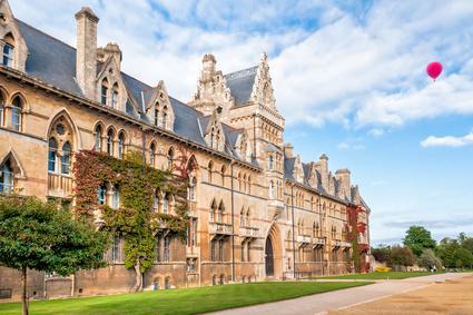 Christ Church Oxford University © elesi / fotolia